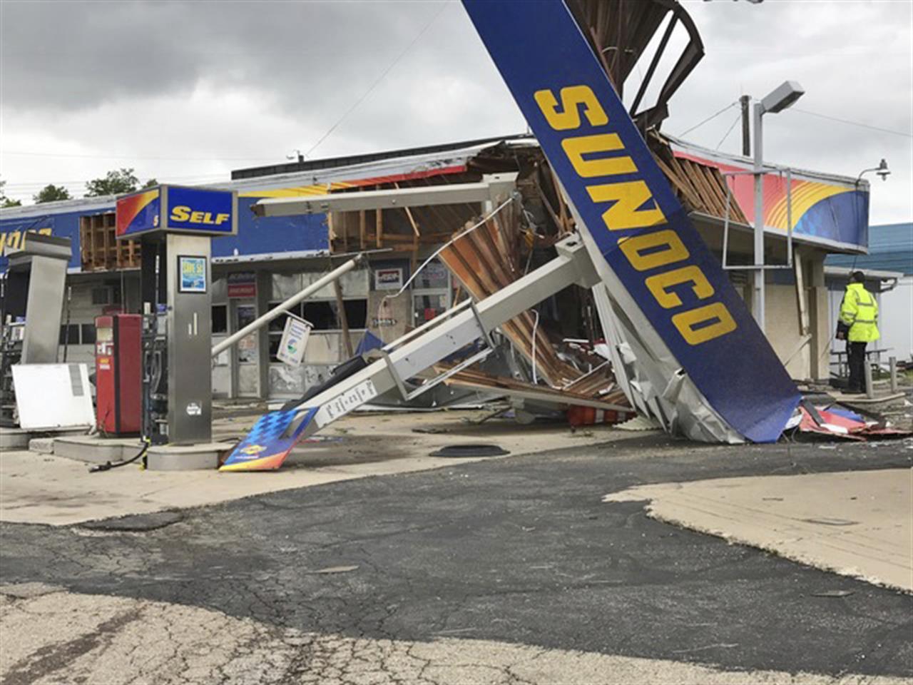 Ohio clark county new carlisle -  Interrupt Graduation Ohio Tornadoes Damage Businesses Interrupt Graduation