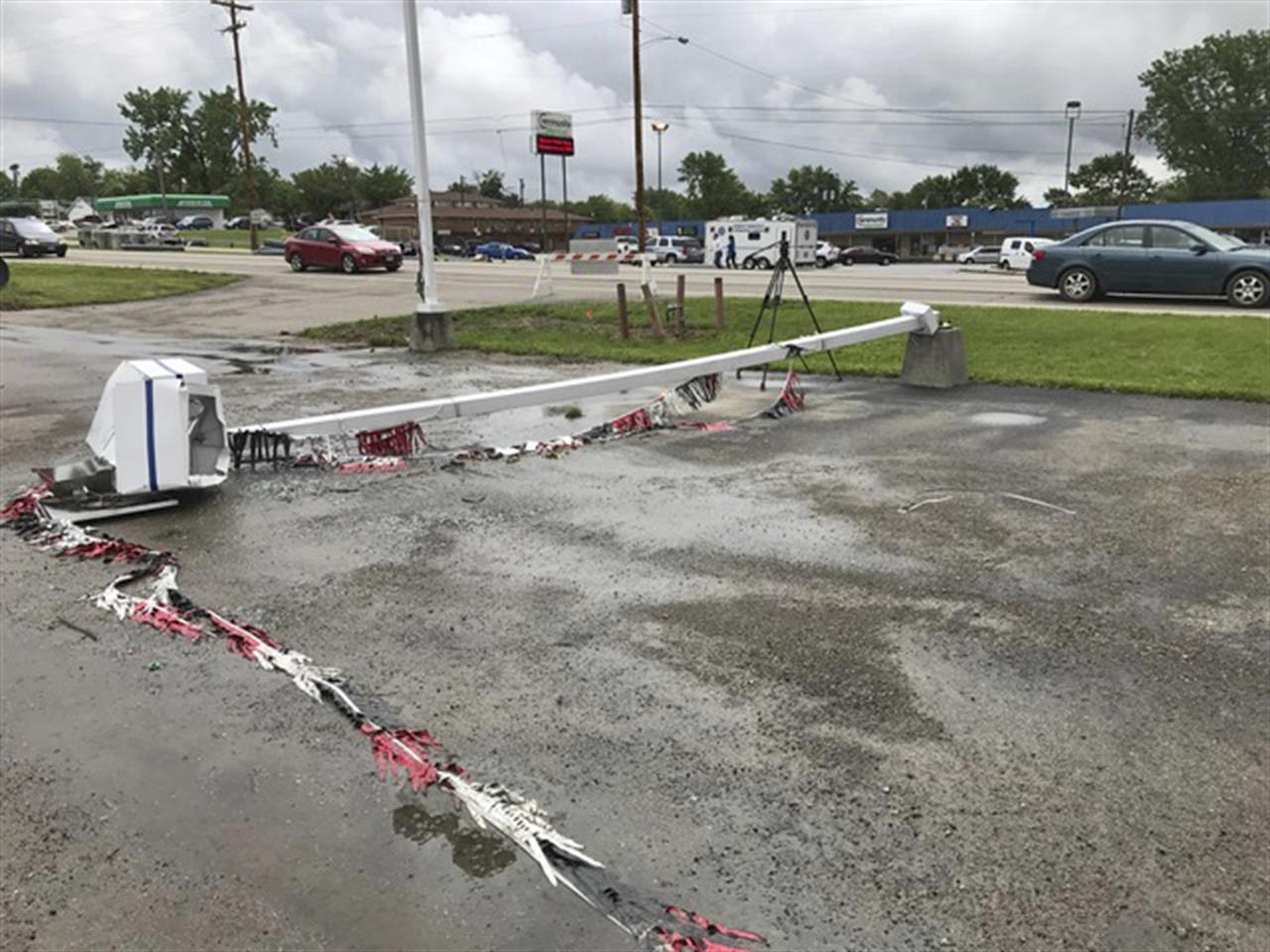 ohio tornadoes damage businesses interrupt graduation