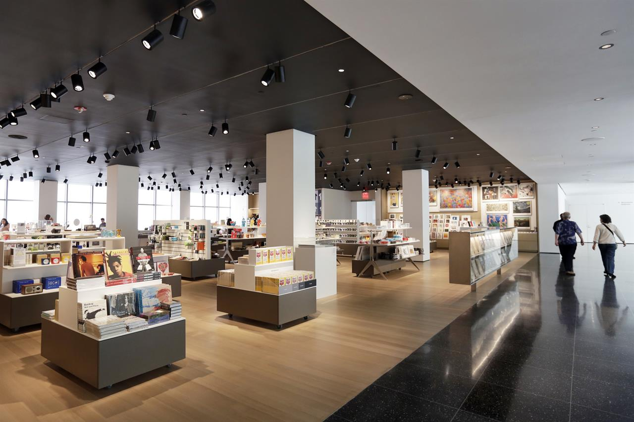 museum of modern art store interesting vm inspiration. Black Bedroom Furniture Sets. Home Design Ideas
