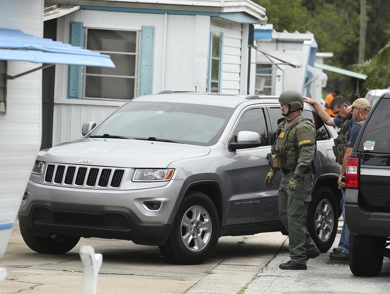 Factory Shooting Leaves 2 Teens Without Mother Or Father New York Ny Jeep That Looks Like Rober