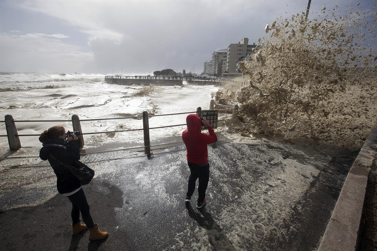 at least 8 dead as storm hammers cape town coastline am 1440