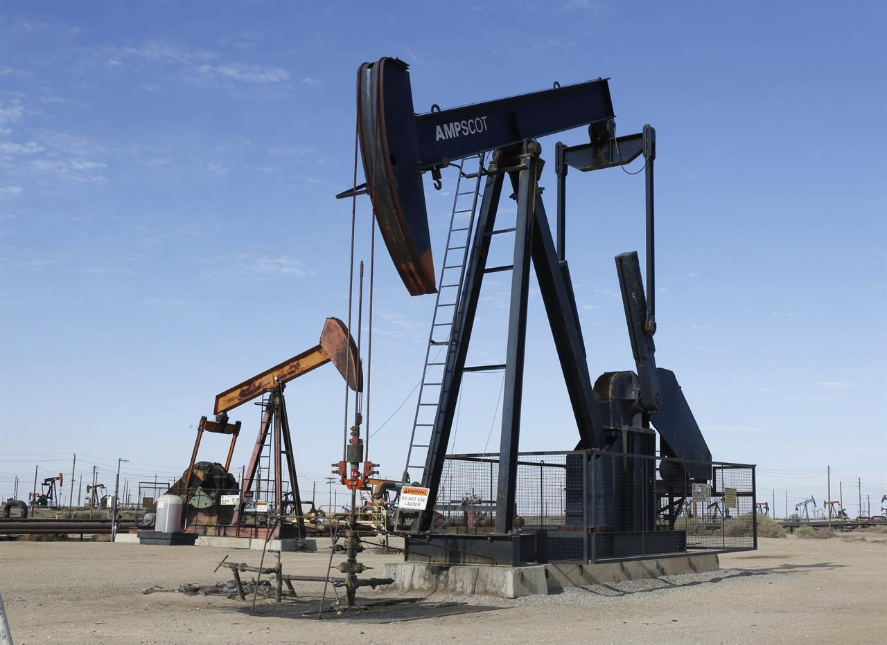 Oil price extends drop to 7 month lows, despite OPEC cuts