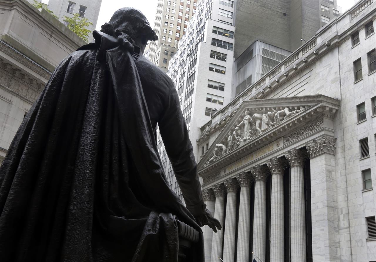 US indexes inch higher as energy stocks claw from the hole