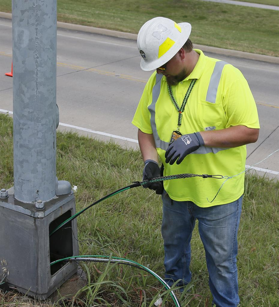 A Risky Fix To Repair Citys Gutted Streetlight Grid Am 1590 The Repairing Aluminum Wiring