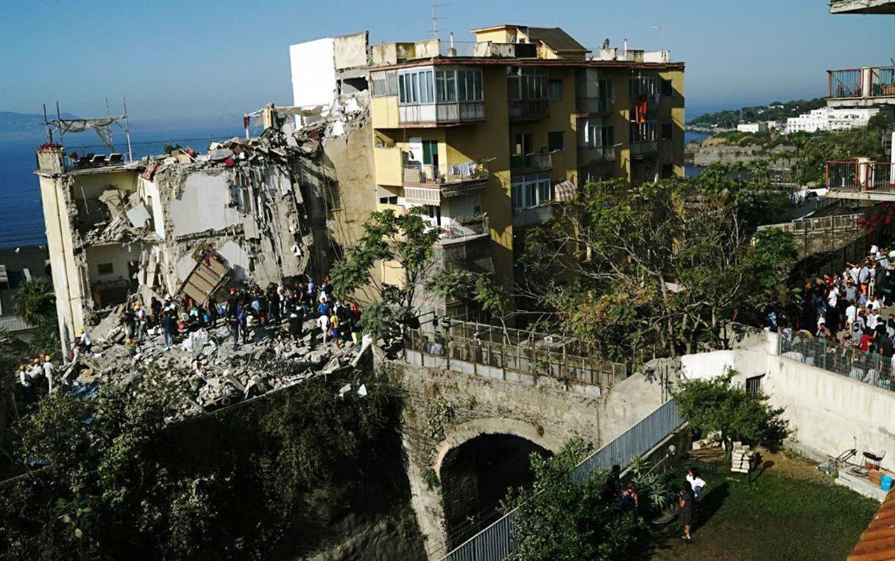 Apartment building collapses in Italy; 2 dead confirmed ...