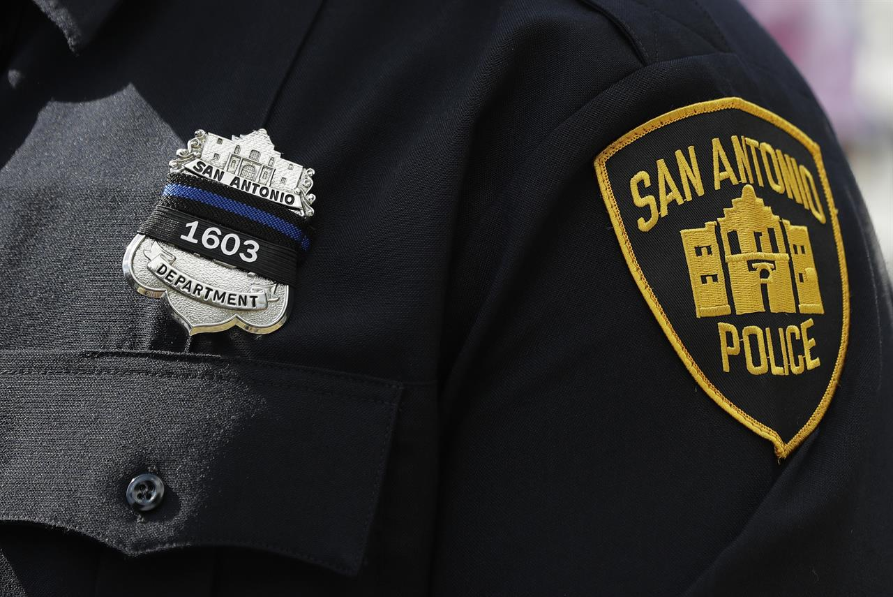 Funeral held for slain San Antonio police officer | AM 1590