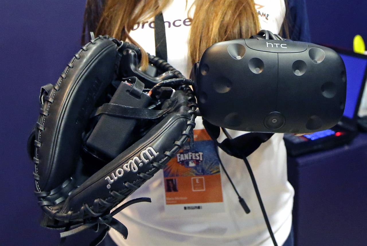 Take me out to the screen: Virtual reality baseball a hit | The