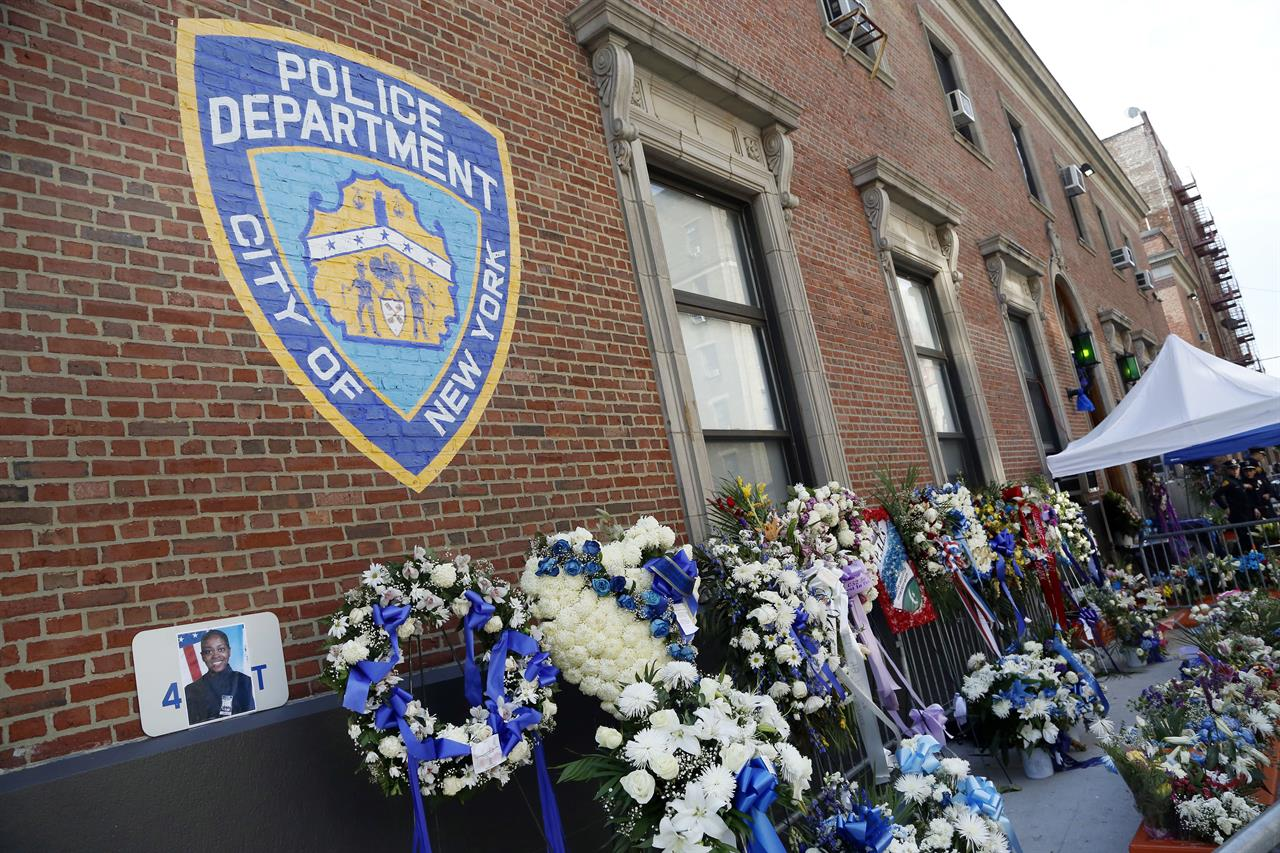 The Latest Funeral For Slain Nyc Police Officer Concludes New