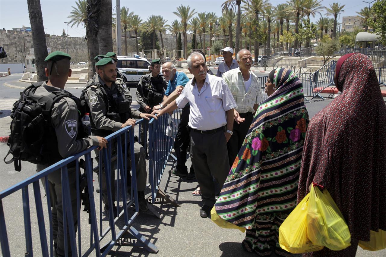 Jew Detector: Hamas Says Target Israelis After Jerusalem Site Attack
