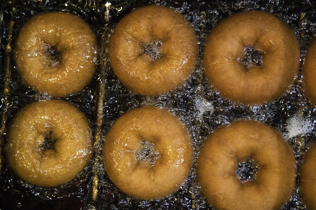 Bag it, tag it: How fans get Phish \'Baker\'s Dozen\' doughnuts - New ...
