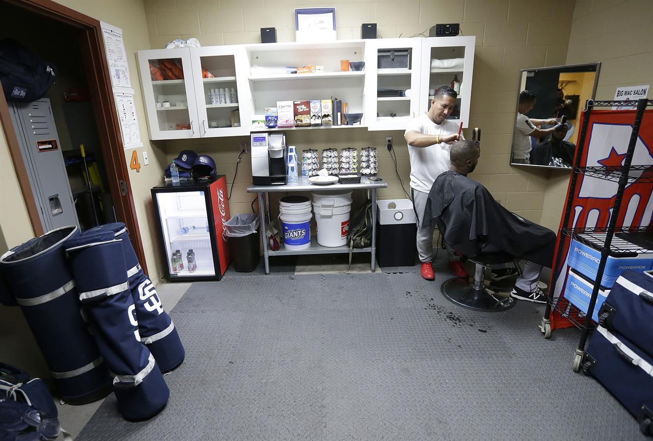 grooming at ballpark becoming trend for baseball players am 1190 wafs atlanta ga. Black Bedroom Furniture Sets. Home Design Ideas
