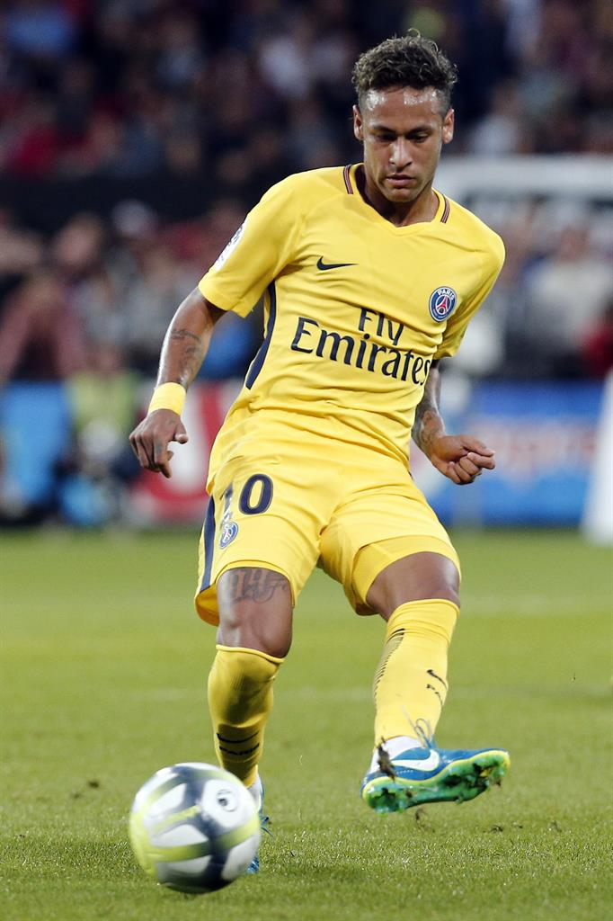Neymar scores on impressive debut as PSG beats Guingamp 3 ...
