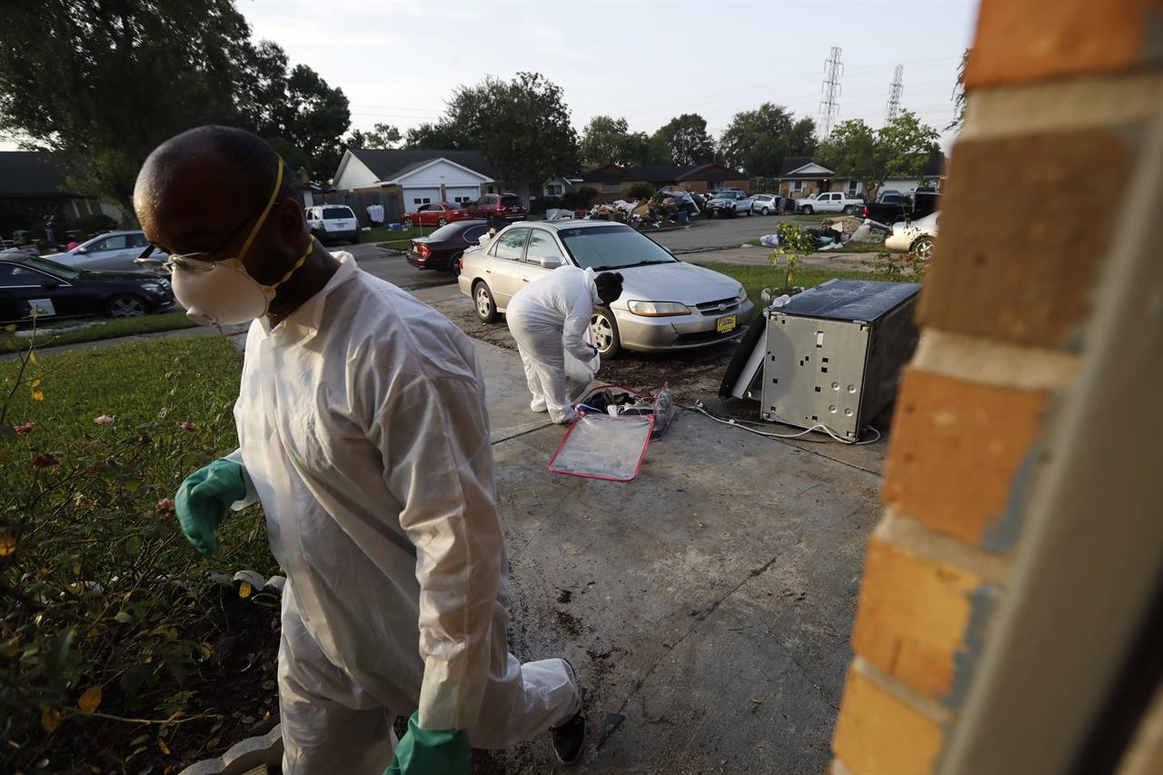 City struggles to restore water service in Harvey aftermath | 710