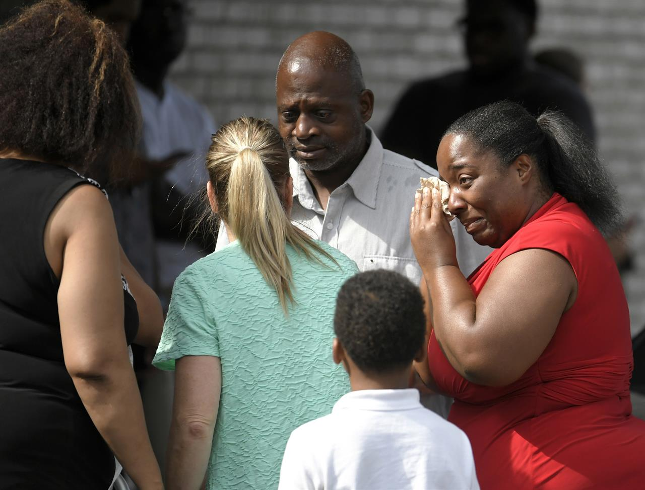 Christ Church Shooting Photo: Police: Tennessee Church Shooting Suspect Sent Suicidal