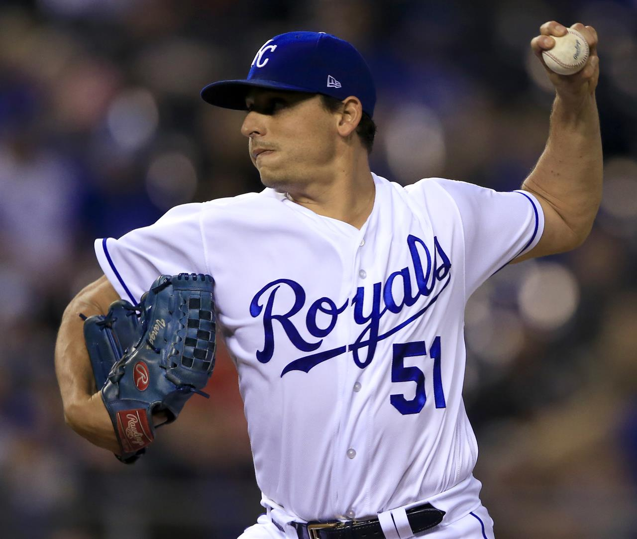 Vargas Wins 18th As Royals Top Tigers 2-1; KC Eliminated