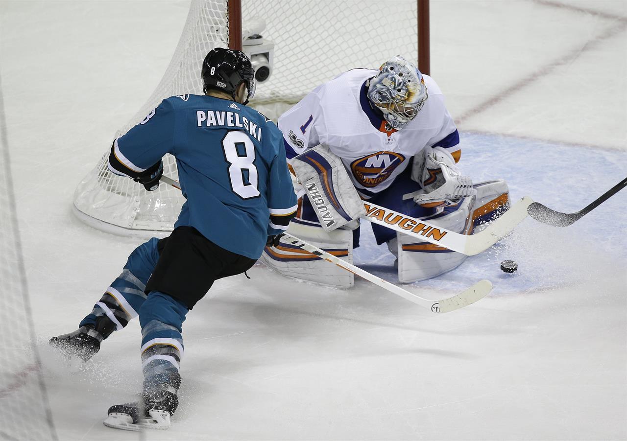 774f8df3d29 Greiss stops 40 shots, Islanders beat Sharks 4-3 | AM 1070 The ...