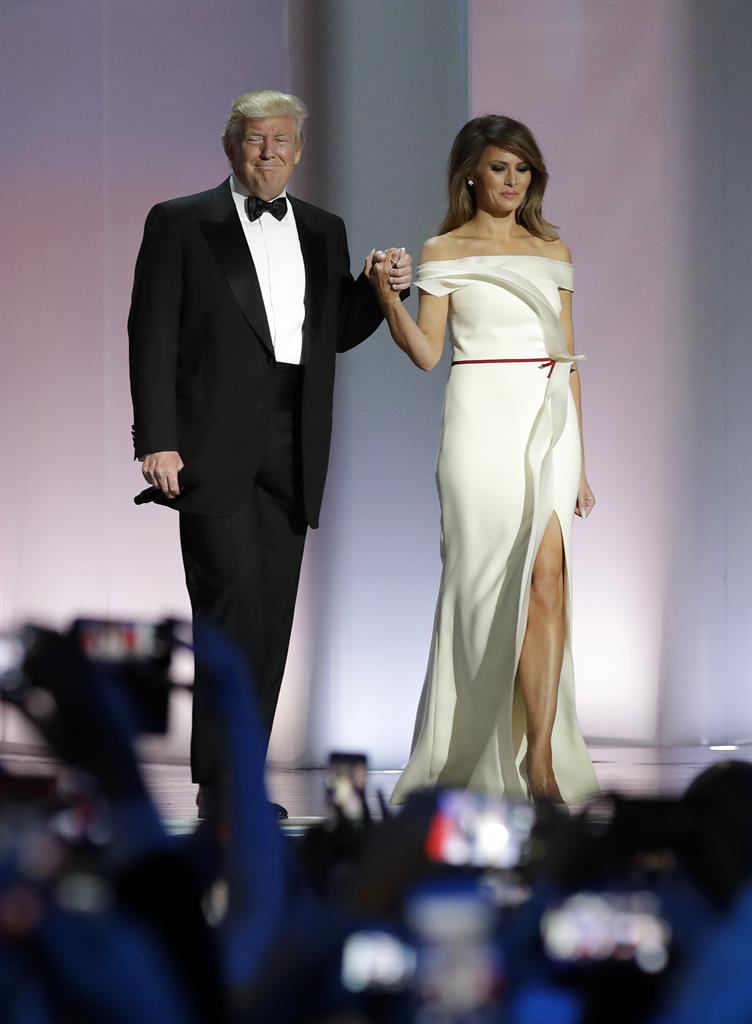 Melania Trump to donate inaugural ball gown to Smithsonian ...