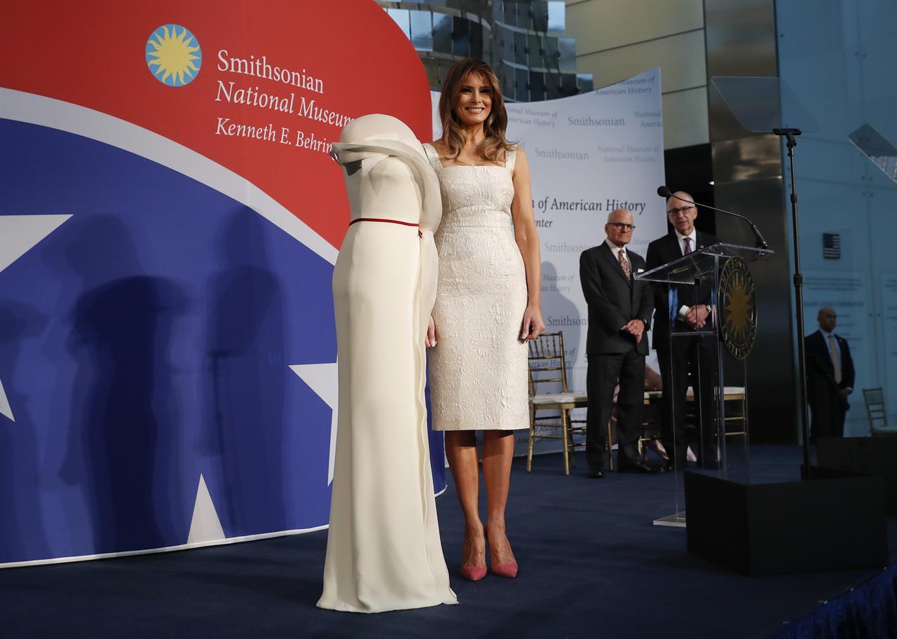 First lady donates inaugural gown to Smithsonian - Atlanta, GA