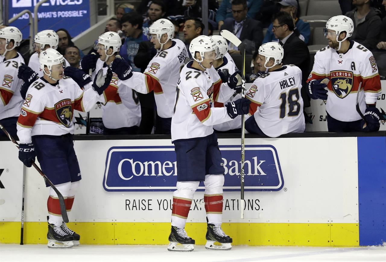 Luongo Stops 35 Shots In Panthers 2 0 Win Over Sharks Am 880 The