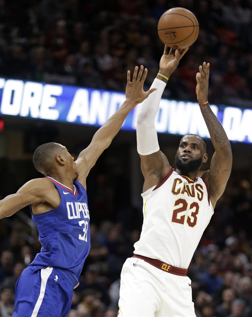 d457ddf928e ... LeBron s 39 lead Cavs to 118-113 OT win against Clippers ...