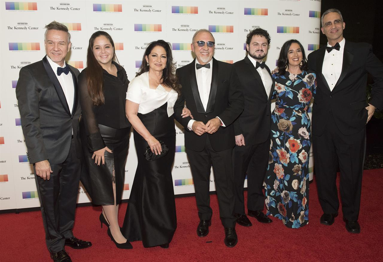 2017 Kennedy Center Honors recognize artists, skip drama | AM 970