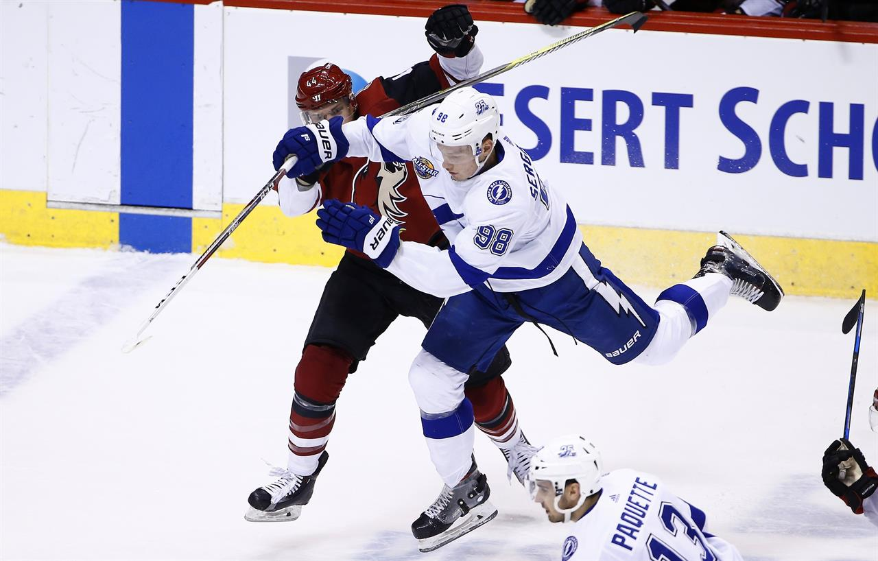 NHL-best Lightning beat Coyotes 4-1 for 6th straight win