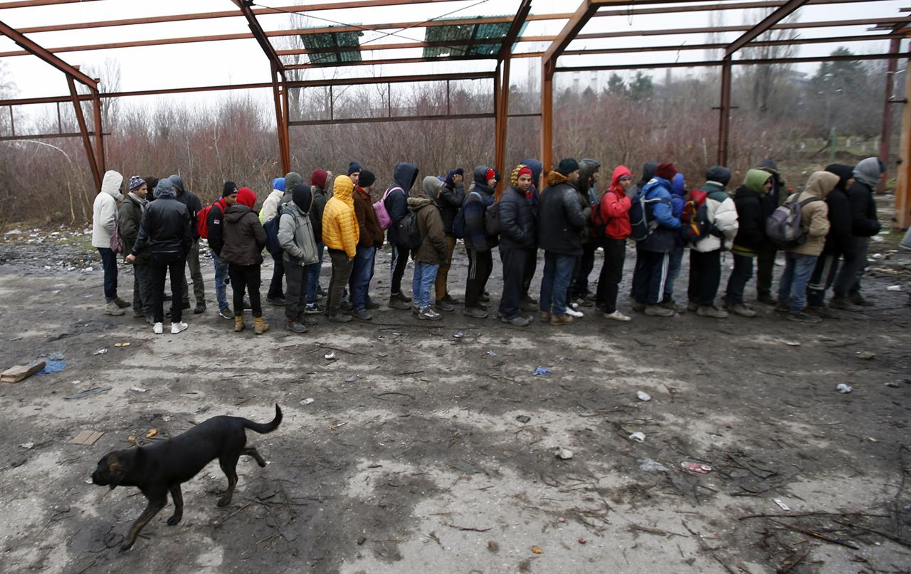 Hundreds of migrants out in open along Serbia's EU borders ...