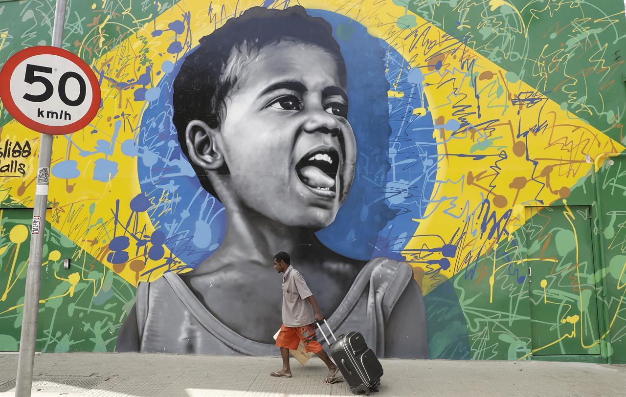 Ex-Odebrecht CEO, symbol of Brazil graft probe, leaves jail