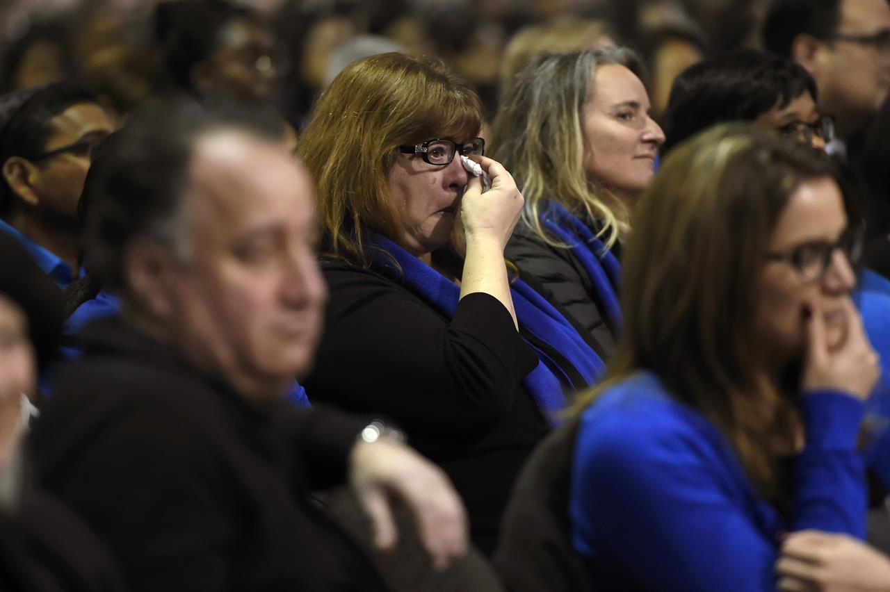 Mourners pay tribute to Toronto billionaires found dead   710 KNUS