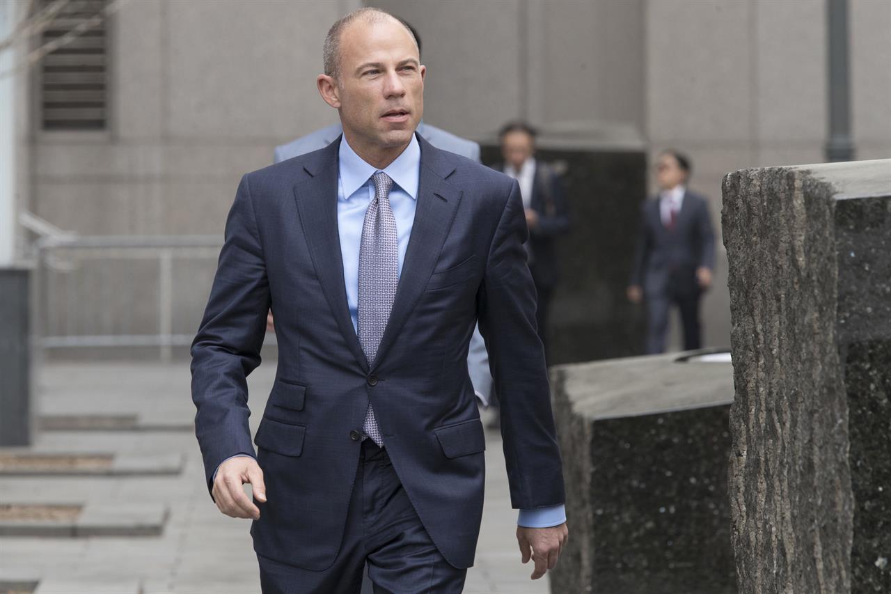 FBI probes Trump lawyer Cohen's personal 'business dealings