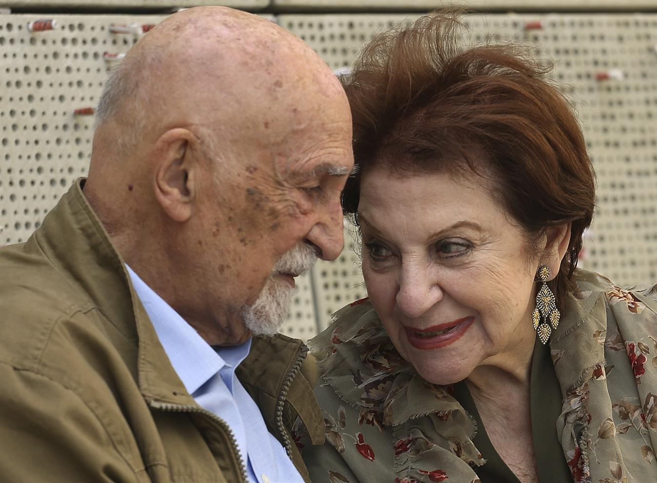 Holocaust Survivor Henny Simon, And US