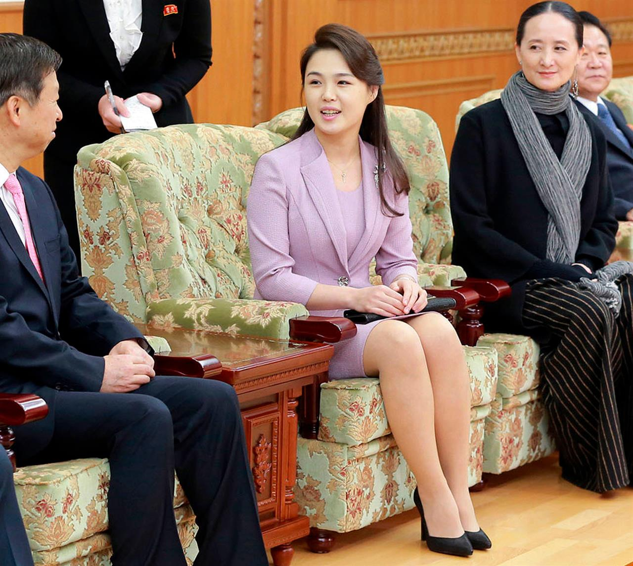 kim jong un turns to his wife and sister to soften his image am