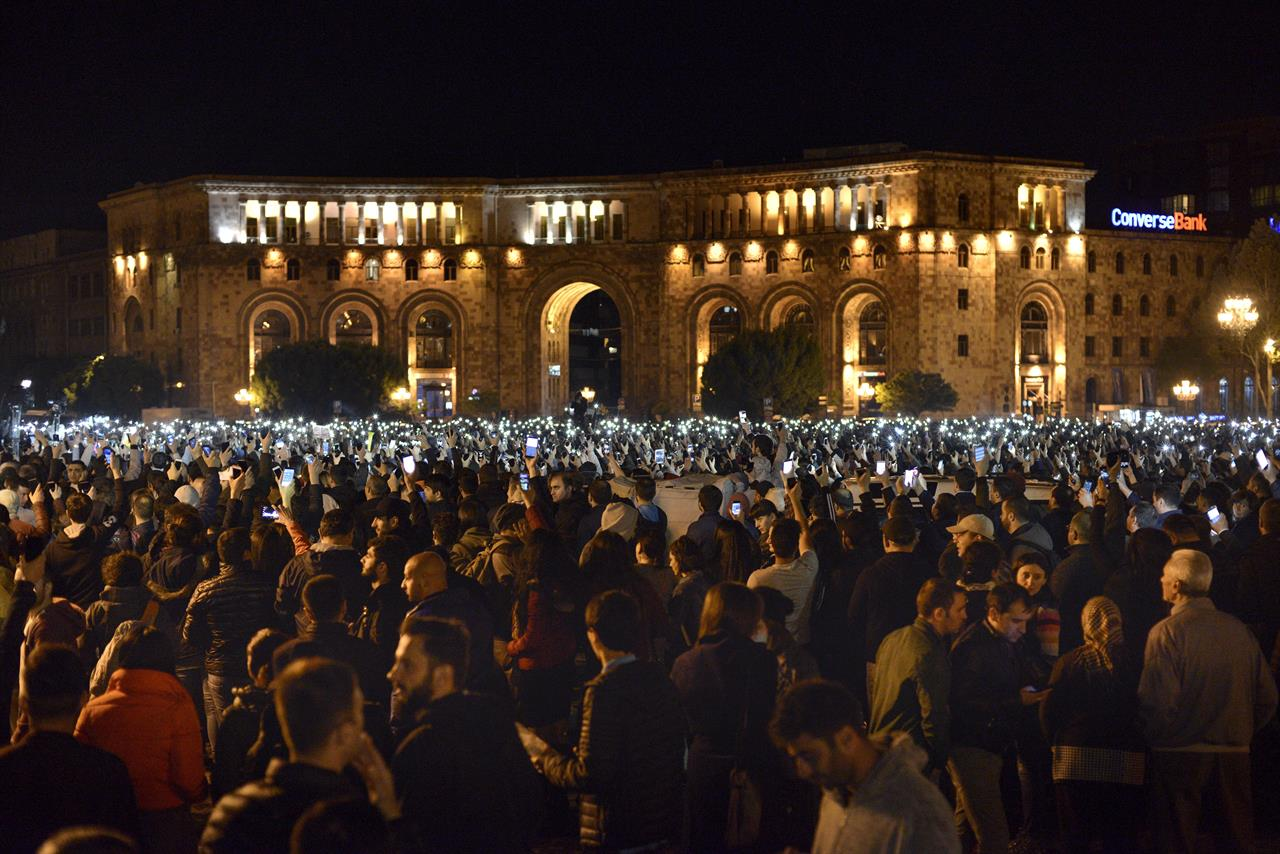 Armenian protesters to renew efforts to stop capital traffic | 710