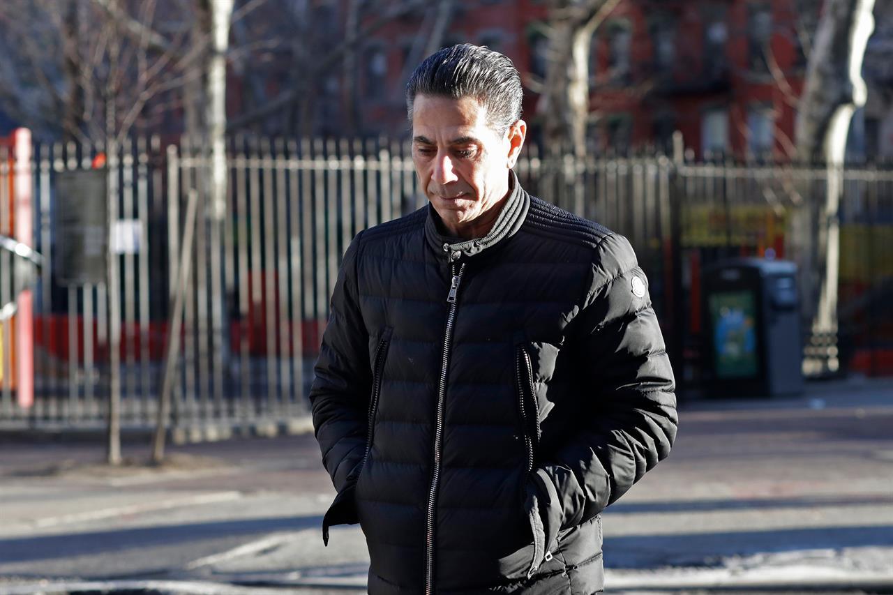Philadelphia crime boss pleads guilty, avoids retrial   KDOW-AM