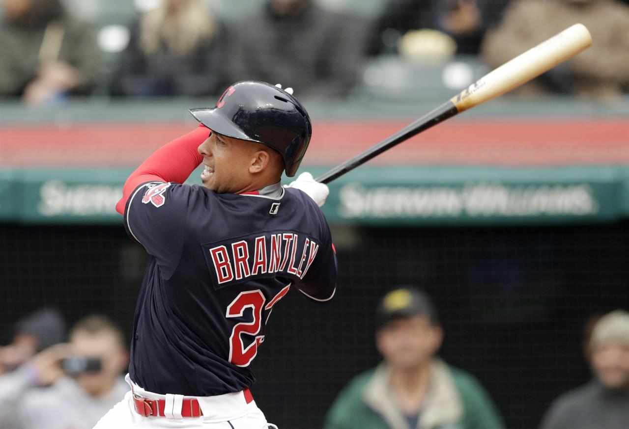 14659231dc77 Lindor hits 2 HRs, 2 doubles to help Indians beat Royals 6-2   AM ...