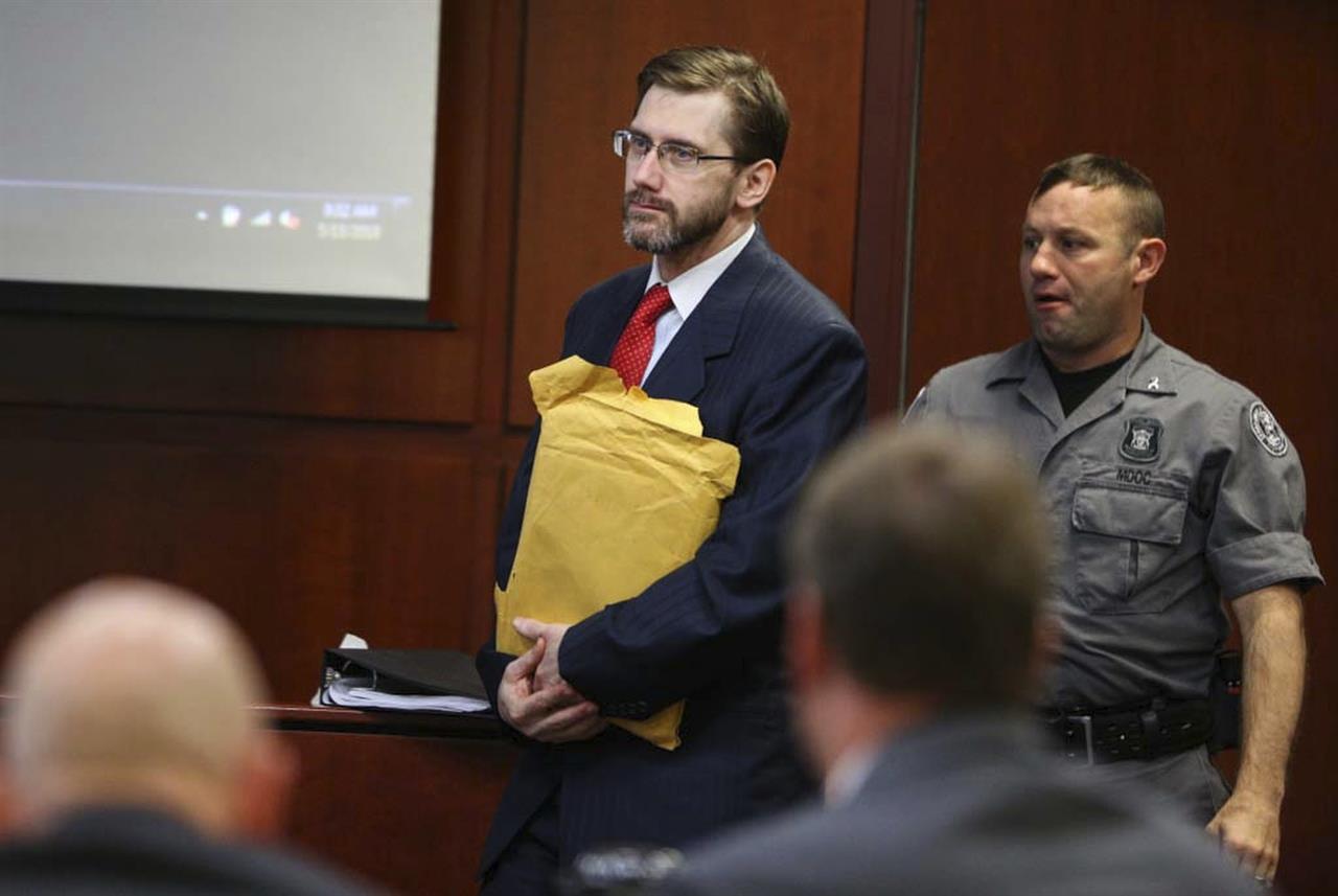 jury convicts michigan man of killing gas station clerk
