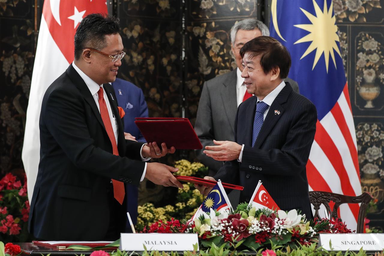 Malaysias Najib Criticizes Singapore Ties Under Mahathir
