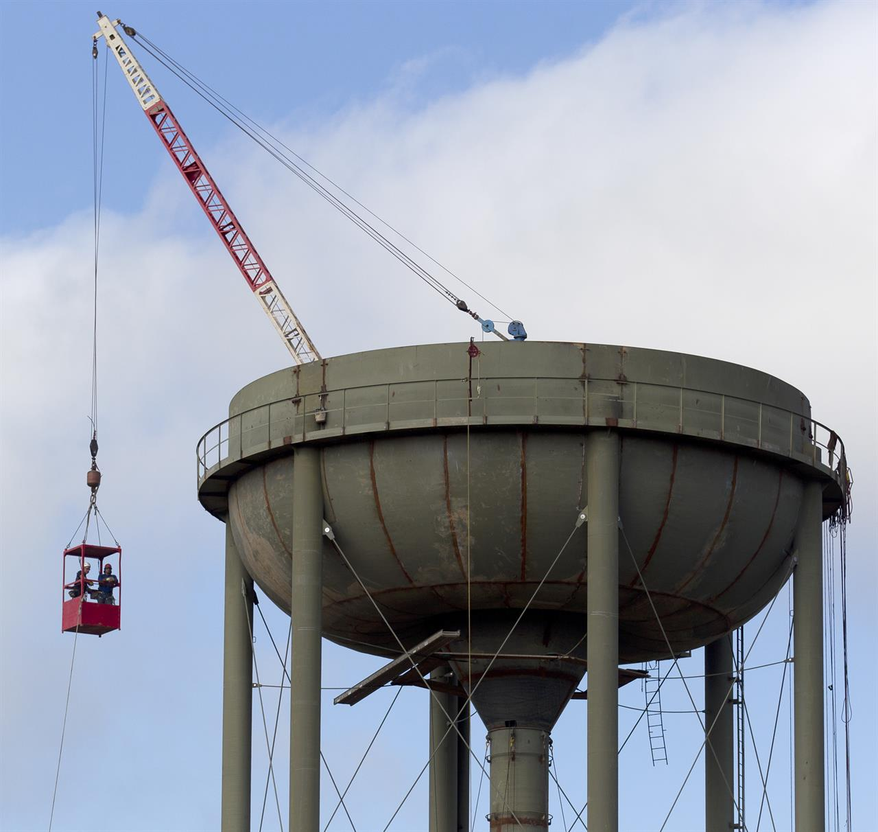 1 Killed In Accident On Texas Water Tower ...