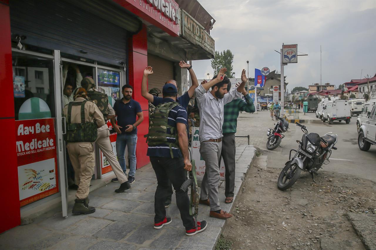 1 Indian soldier killed, 2 injured in Kashmir rebel attack