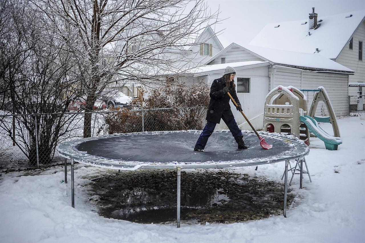 Winter Storm Howls Through Midwest The Answer 94 5 Fm