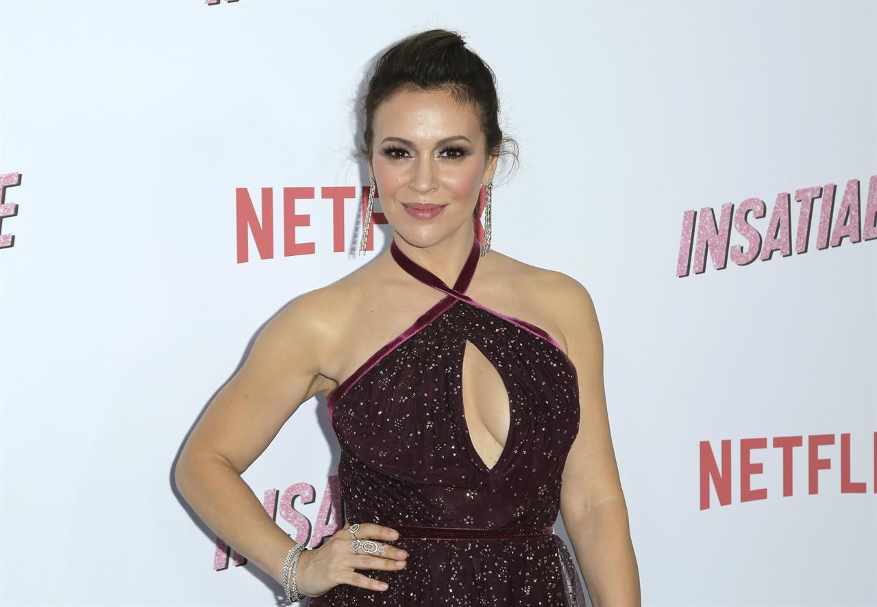 Alyssa Milano, Debby Ryan talk \'Insatiable\' and fat shaming ...