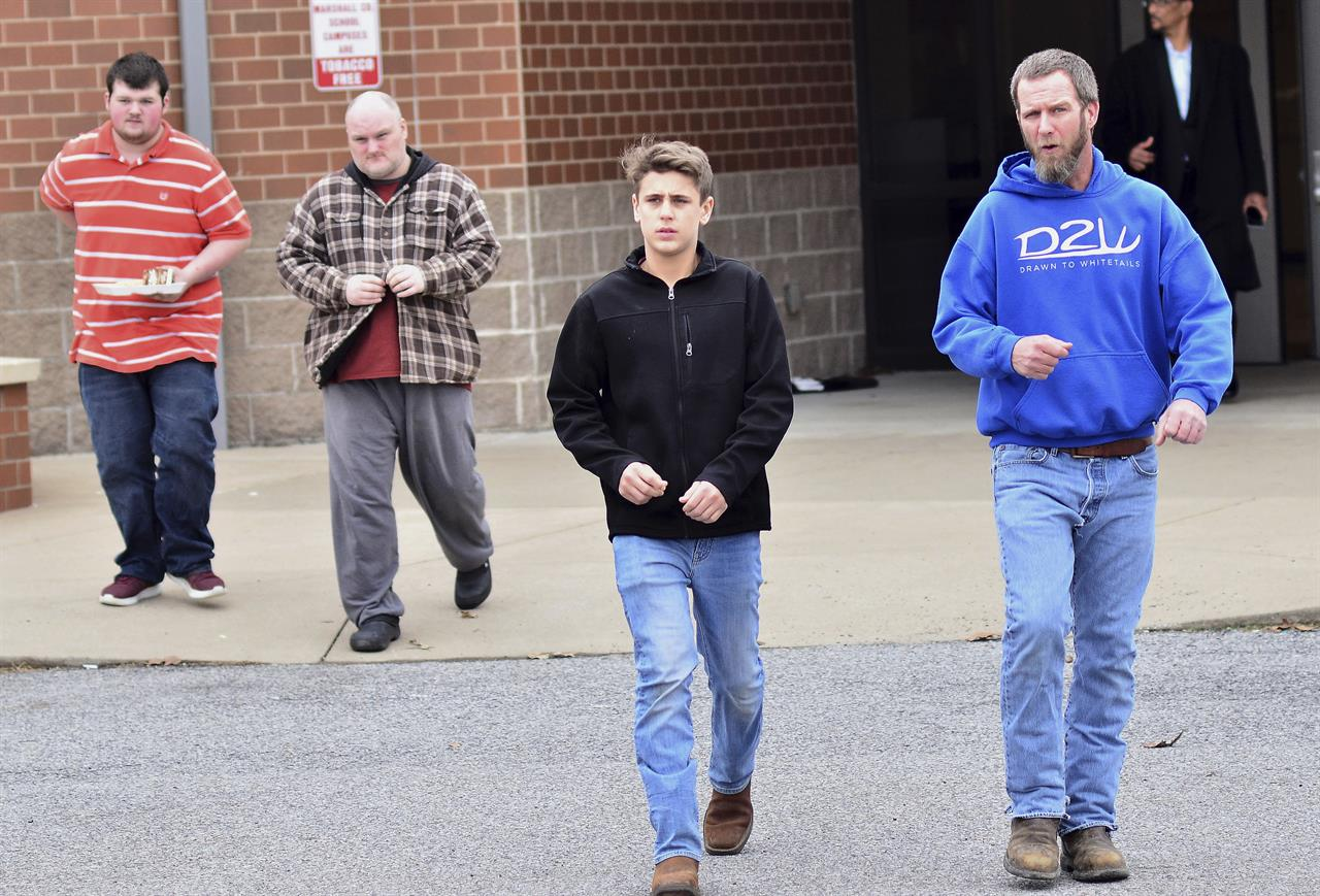 Uk Basketball: 2 Dead, 17 Injured In Kentucky School Shooting; Suspect