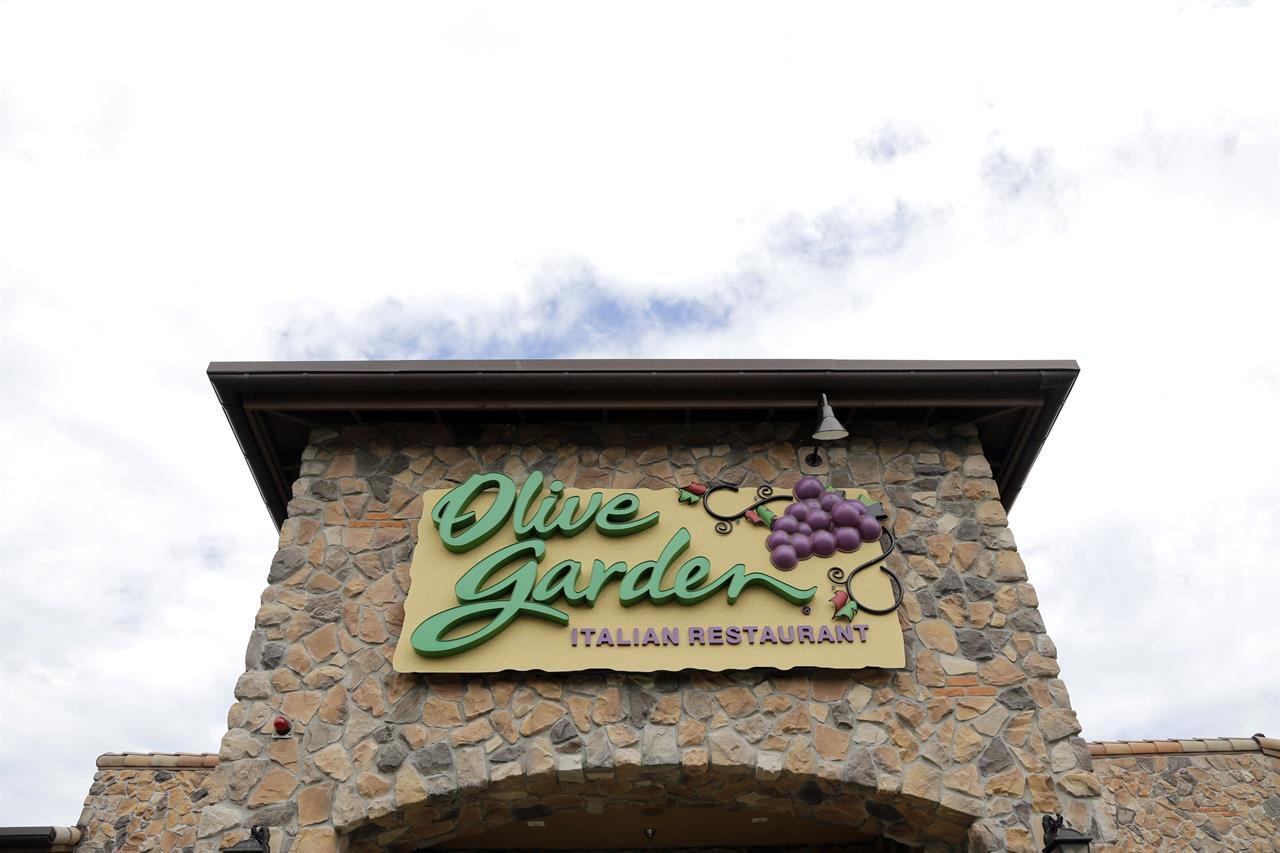 lotsa pasta olive garden offers year of never ending pasta - Olive Garden Orlando