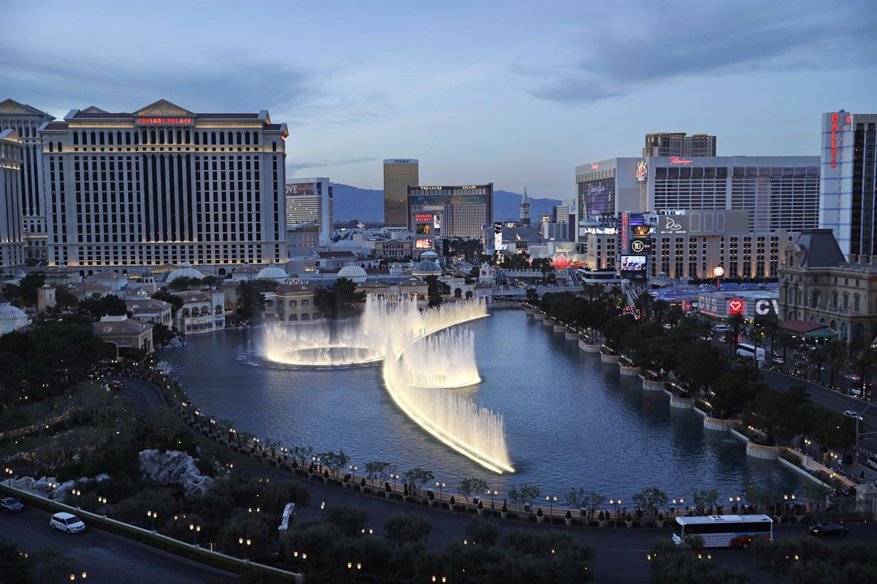 Apnewsbreak Maids To Ask Las Vegas Hotels For Panic Ons