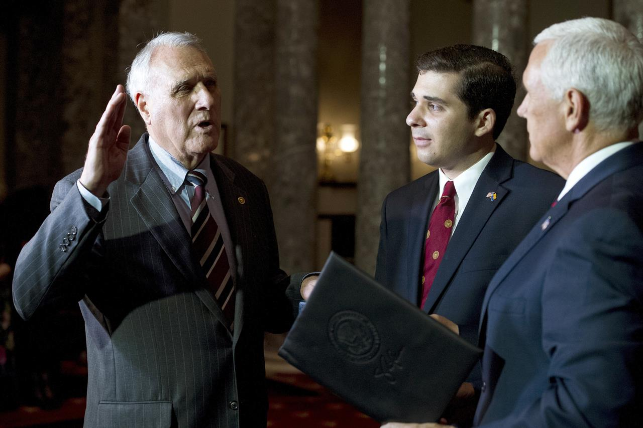 Jon Kyl sworn in to fill McCain's Senate seat until ...