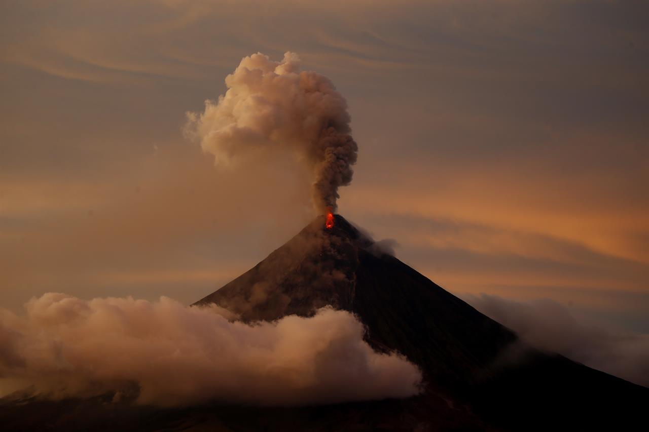 the destructive power of volcanoes A supervolcano is the most powerful known destructive force on the  a supervolcano - a volcano capable of producing a volcanic eruption with ejecta greater than .