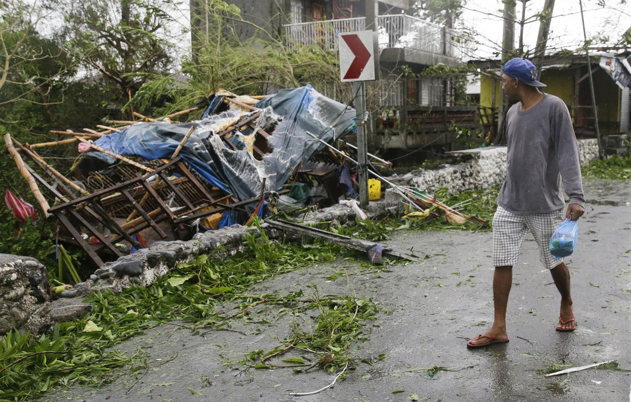 Typhoon Aims At South China After Killing 28 In