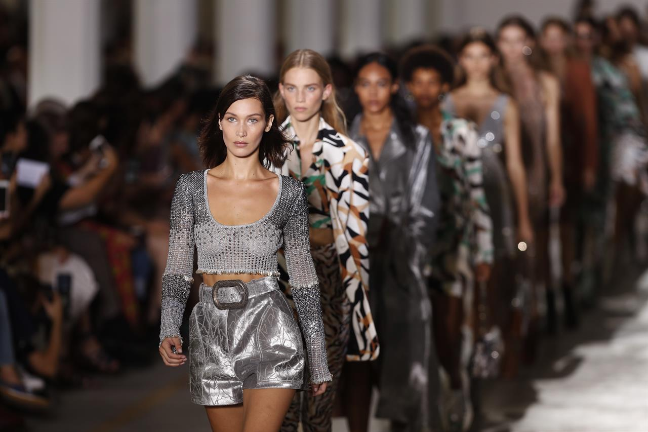 1d05591d847f4 Milan fashion defends supply chain as designers unveil wares | AM ...