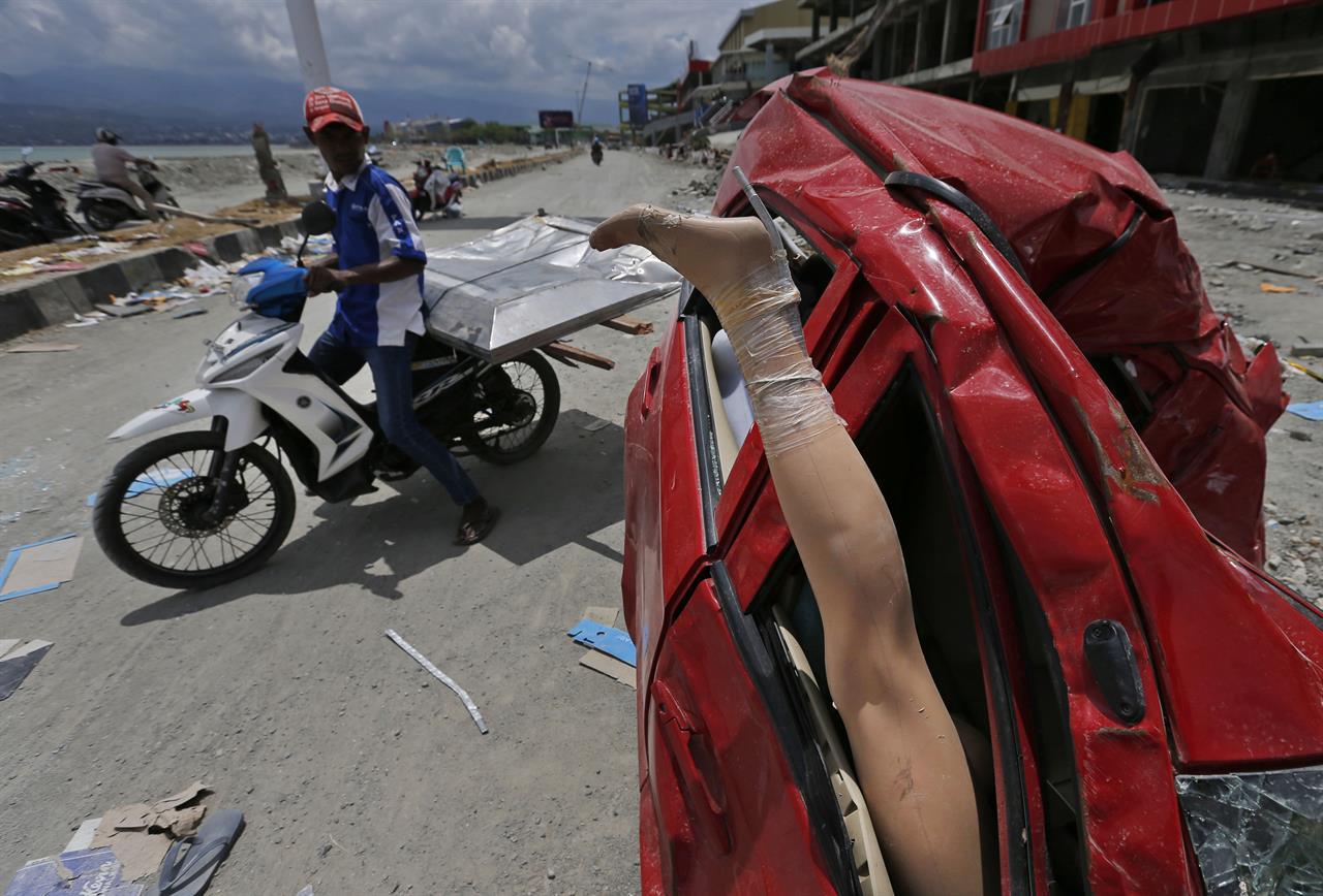 Indonesia says death toll in Sulawesi quake rises past 2,000