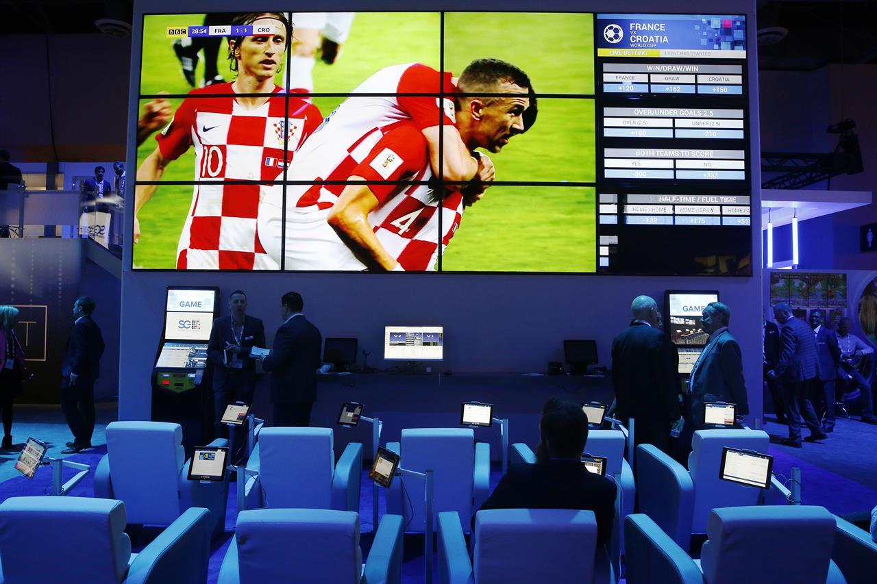 Игровые автоматы играть играть на деньги рубли